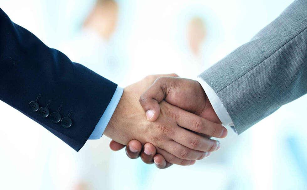 Shake hands contractors e1563427868501